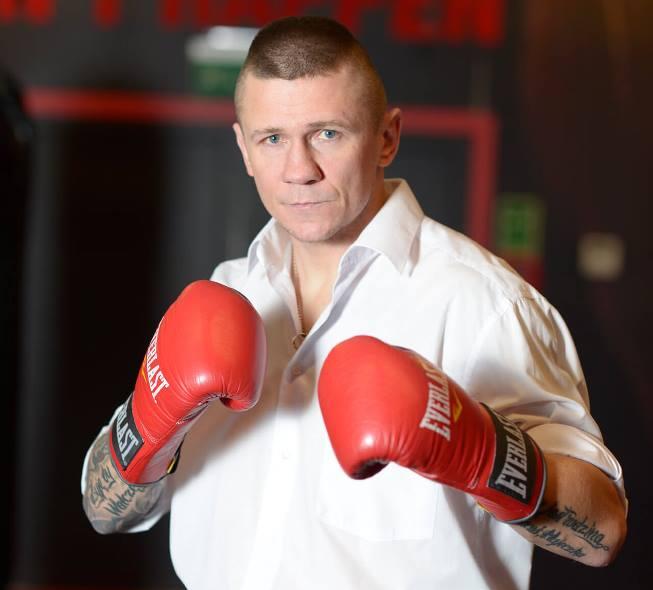 White Collar Boxing - projekt Rafała Jackiewicza